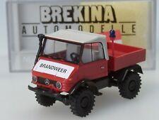 Brekina Unimog 421 Brandweer/Pompiers NL, rouge-blanc - 39076 - 1:87