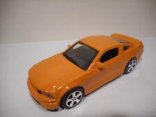 Renault ca Mini-suv 2013-16 in Pc-vitrine Display-box Orange & Blanc 1 43