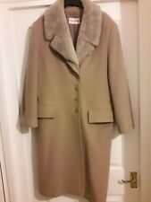 Windsmoor camel coloured cashmere/wool coat with removable faux fur collar