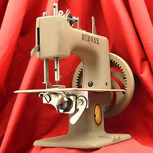 SINGER SEWHANDY 20 Child Toy Sewing Machine 20-1 Restored & Serviced by 3FTERS