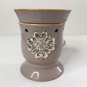 Scentsy Full Sz Tan Decorative Tabletop Plug In Wax Warmer Silver Embellishment