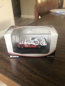 NASCAR #9 Kasey Kahne  McDonalds 1:87 Scale Car Red & White in Case Dodge SRT