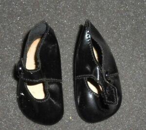 chaussures noire  POUPÉE  MODES ET TRAVAUX