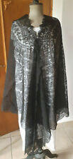 Vêtement ancien - Grand chale en dentelle - couleur noire - XIXème