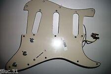 NEW- PICKGUARD avec électronique STRATOCASTER cream pour guitare Squier etc...
