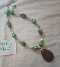 VETRO VERDE pietra e resina perline collana grande ciondolo di pietra