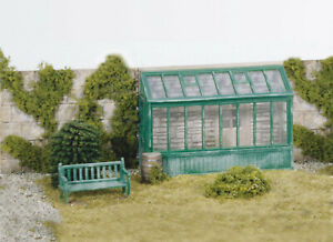 WILLS  00 Gauge, layout, Scenic Plastic kit No:SS24 Conservatory + extras.