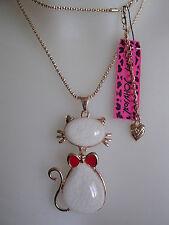<> 1 collier + pendentif chat blanc <> Betsey Johnson <> NEUF <>