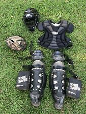 EASTON BASEBALL CATCHERS GEAR SET Age 11-15 inter. equipment mitt helmet gaurds