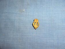 #1618 - VINTAGE CATHOLIC PIN DEPICTS JESUS - FIRST COMMUNION REMEMBRANCE