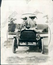 1929 Proud Ladies Rode in Their Finery in 1 of First Cars of 1900 Press Photo