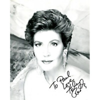Helen Riddy Autographed / Signed Black & White 8x10 Photo