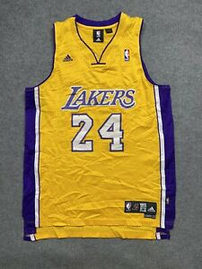 LA Lakers Basketball Jersey Mens Medium NBA Player # 24 Kobe Bryant Adult Sewn