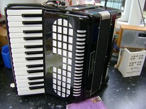 CHANSON 48 BASS ACCORDION FREE UK COURIER