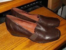 Women's shoes Natururalizer N5 Comfort Size 9.5M Leather slip on pump NICE!!!