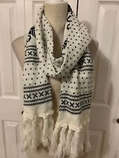 Warm Winter Knit Scarf With Tassels White Black