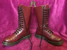 a1b25a22376 Dr Martens 1914 Rouge Cerise Taille 3-36 Tall Lisse 14 Hole DMs Docs  Airwair Comme neuf
