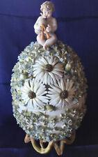 Ancienne bonbonnière œuf en porcelaine Meissen, signée numérotée, hauteur 30 cm