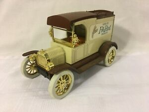 Ertl Ford 1913 Model T Van Vehicle Coin Bank Home of Five Point Products