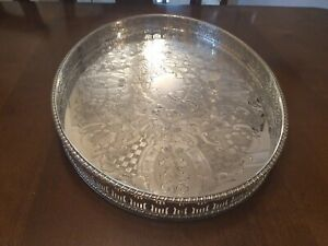 SUPERB VINTAGE VINERS SILVER PLATED CHASED GALLERIED DRINKS TRAY