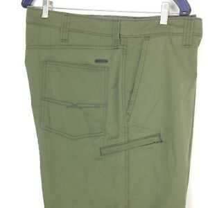 Levis 5 Pocket Utility Shorts Hiking Walking Green 46 Waist Flex Performance