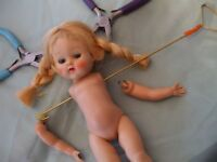STRINGING HOOK  FOR DOLLS UP TO 16 INCHES TALL FOR USE WITH LATEX BANDS