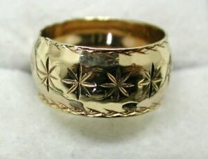 Lovely 9 carat Gold Patterned Wedding Ring Size N.1/2