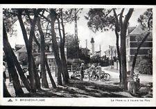 BRIGHTON-PLAGE / CAYEUX (80) CYCLISTES & MOTO aux VILLAS & PHARE en 1948
