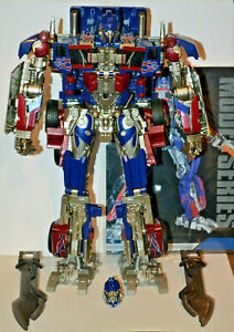 Wei Jiang MW Commander Oversized SS05 Transforming Robot - Complete