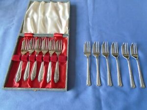 JOB LOT VINTAGE SILVER PLATED CUTLERY 2 SETS CAKE FORKS PASTRY FORKS 1 SET CASED