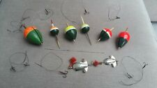 6 VINTAGE PIKE FLOATS, TREBLE HOOK TRACES, LURES & A BAITING NEEDLE