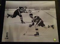 2009 NHL Hockey Wayne Gretzky & Gordie Howe Photo Picture 16x20 NHL Licensed