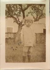 Snapshot enfant dans jardin arbre Ecole nationale de filature school kid