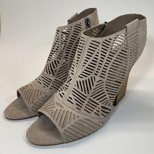 Vince Camuto Womens Kimora Slingback Sandals Laser Cut Peep Toe, Size 12W