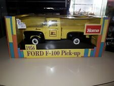 1956 Ford F-100 Pick-up Truck Home Hardware 1/18