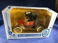S2-16 ERTL 1918 FORD RUNABOUT COLLECTORS BANK - 1:25 SCALE -PUBLIX DANISH BAKERY