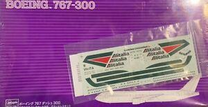 "1/200 Airliner: Boeing 767-300 Alitalia ""Purple Box"" [Italy] #SP211 : HASEGAWA"