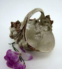 Moderne Keramik Deko Schale mit Henkel & Weinornament versch. Brauntöne