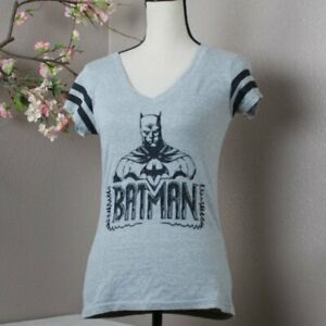 Batman T-shirt Size M Gray Black