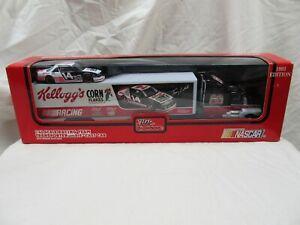 "KELLOGG'S TERRY LABONTE ""1/43"" TRANSPORTER / CAR NASCAR DIE CAST SET 1993 (NIB)"