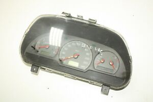 VOLVO S40 V40 INSTRUMENT CLUSTER DASHBOARD SPEEDOMETER 30857569 W30887708A