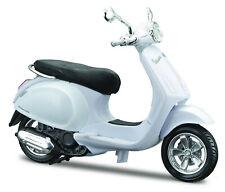 Vespa Primavera 150 (2014) White, maisto Roller Model 1:18