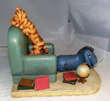Charpente Disne Winnie Pooh TIGGER & EEYORE w/ Globe & Chair Bookend Figurine