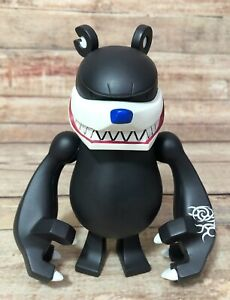 "Touma 6"" Grinning Knuckle Bear SDCC 2006 Limited Vinyl Toy Kaiju"