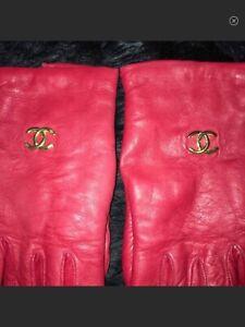 CHANEL Vintage Leather Gloves