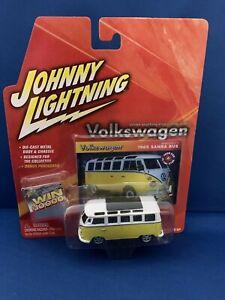 2005 Johnny Lightning Die-Cast Volkswagen 2001 Microbus Consept Car Van 164