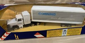 Vintage Corgi Corning Collection First Edition Scammel C1246 New in Box