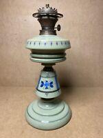 LAMPE A PETROLE OPALINE VERTE DECOR FLORAL BAYONNET SCHLUSS BRENNER ALLEMAGNE