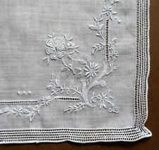 Immaculate Vintage Hand Embroidered White Linen Women's Handkerchief