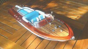 maquette riva bateau Riva Aquarama bleu/blanc  67cm  Bois laiton à l'échelle